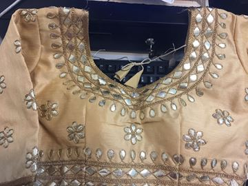 Picture of Blouse Gold With Golden Designs